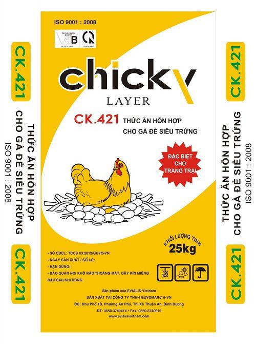 Thức ăn cho gà đẻ